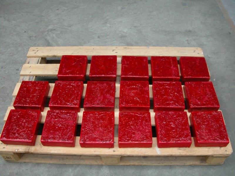 Kästchen rot 2005, je 18x16 cm